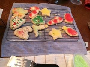 "PRETTY!   We believe in the ""random explosion of sprinkles"" method of decoration."